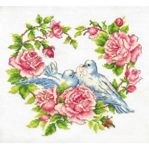 Любовь и голуби Набор для вышивания Многоцветница МКН 28-14