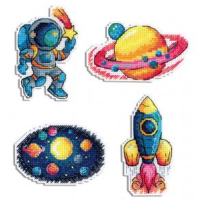 Космос. Магниты Набор для вышивания на пластиковой канве МП Студия Р-576