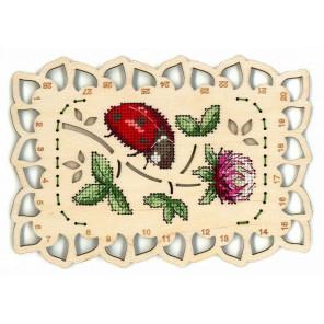 Божья коровка Органайзер для мулине Набор для вышивания на деревянной основе МП-Студия О-040