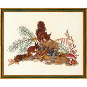 Белки на пеньке Набор для вышивания Eva Rosenstand 12-826