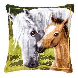 Белая лошадь с жеребёнком Набор для вышивания подушки VERVACO