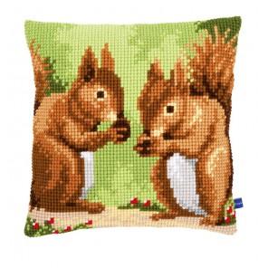 Белки с орешками Набор для вышивания подушки VERVACO