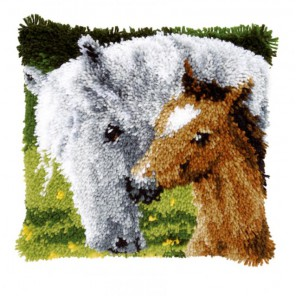 Лошадь и жеребенок Набор для вышивания подушки VERVACO