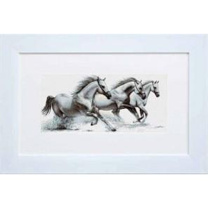 Белые лошади Набор для вышивания LUCA-S